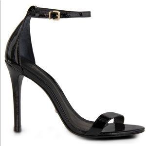 Schutz Cadey-Lee Black patent leather heel 7